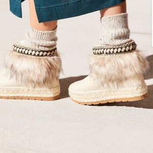 NEW Free People Glace Oberland Boot Size 36
